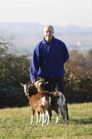 Andrew Denison und seine Ziegen